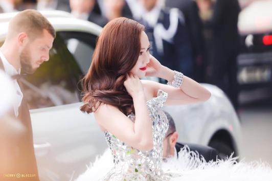 Jessica Cannes Film Festivali'ne konuk oldu
