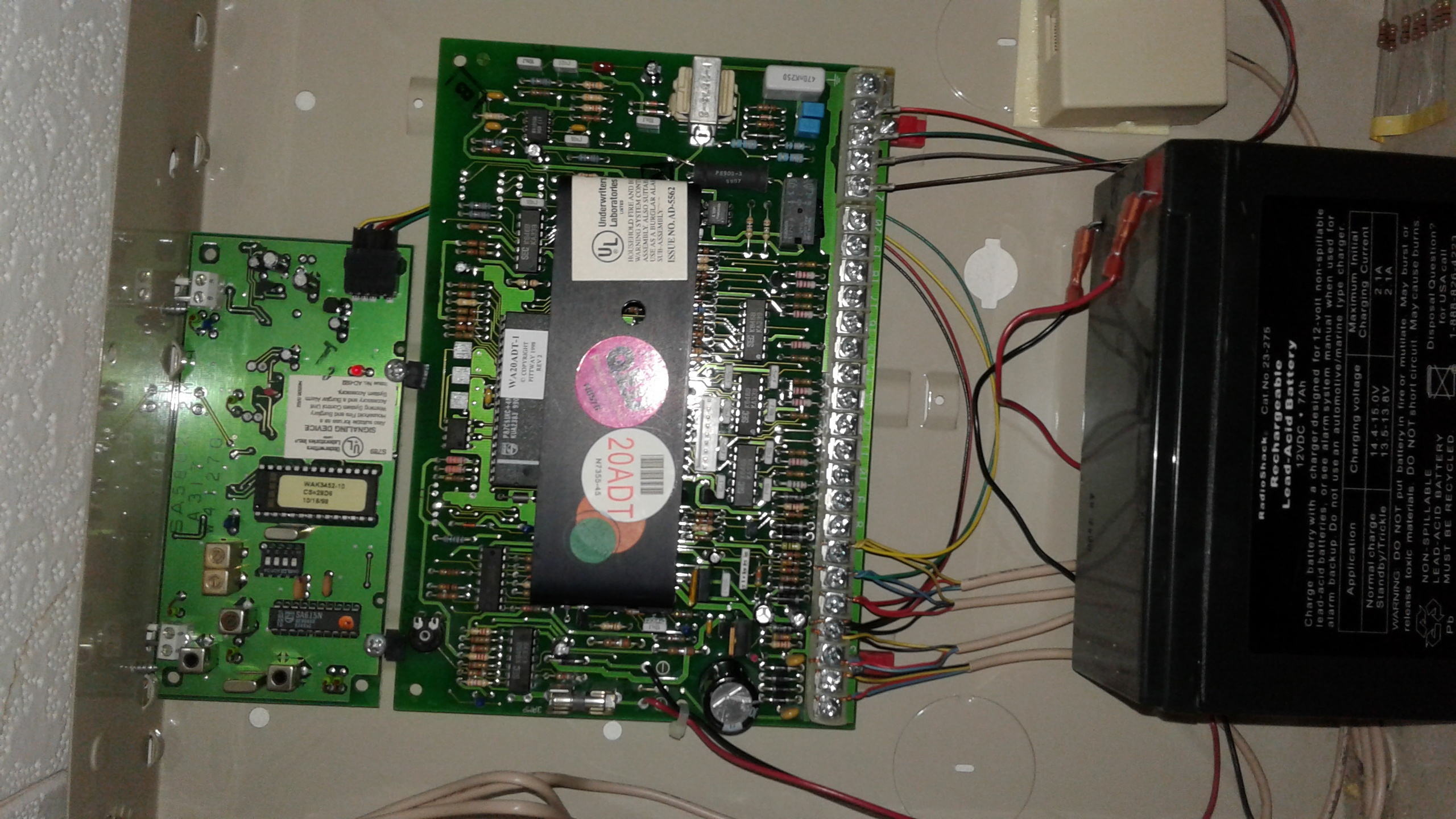 Honeywell 5816 Wireless Door Sensor And Window Alarm Grid Remove The Casing Of Hub Keypad Circuit Boards