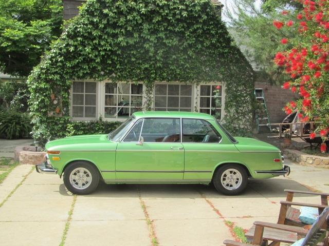 MF Review: 1976 BMW 2002 (Our New Baseline) - MotoringFile