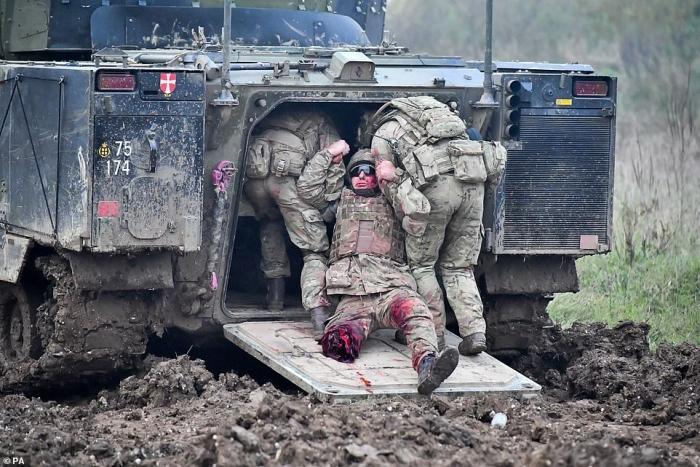 Armée Britannique/British Armed Forces - Page 16 6d2be89897368a5d701bc02d613c70160c5400a789f5484bcddf6332b1b8999a