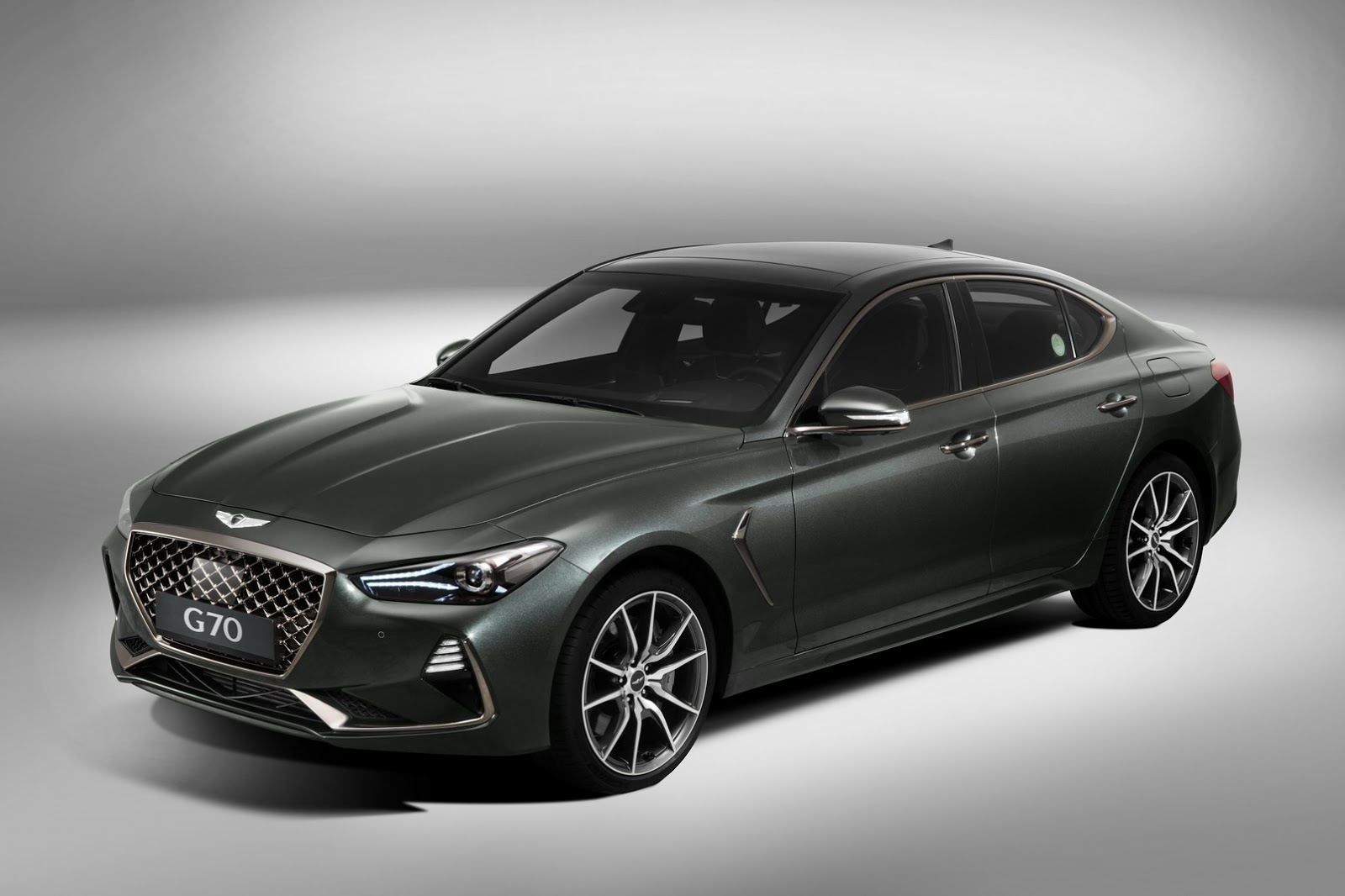 New Genesis G70 Eyes Germany S Big 3 Compact Sport Sedans