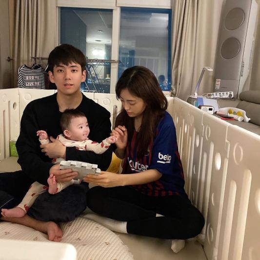 Jisoo'nun ablası Han Hyo Joo'ya benziyor?