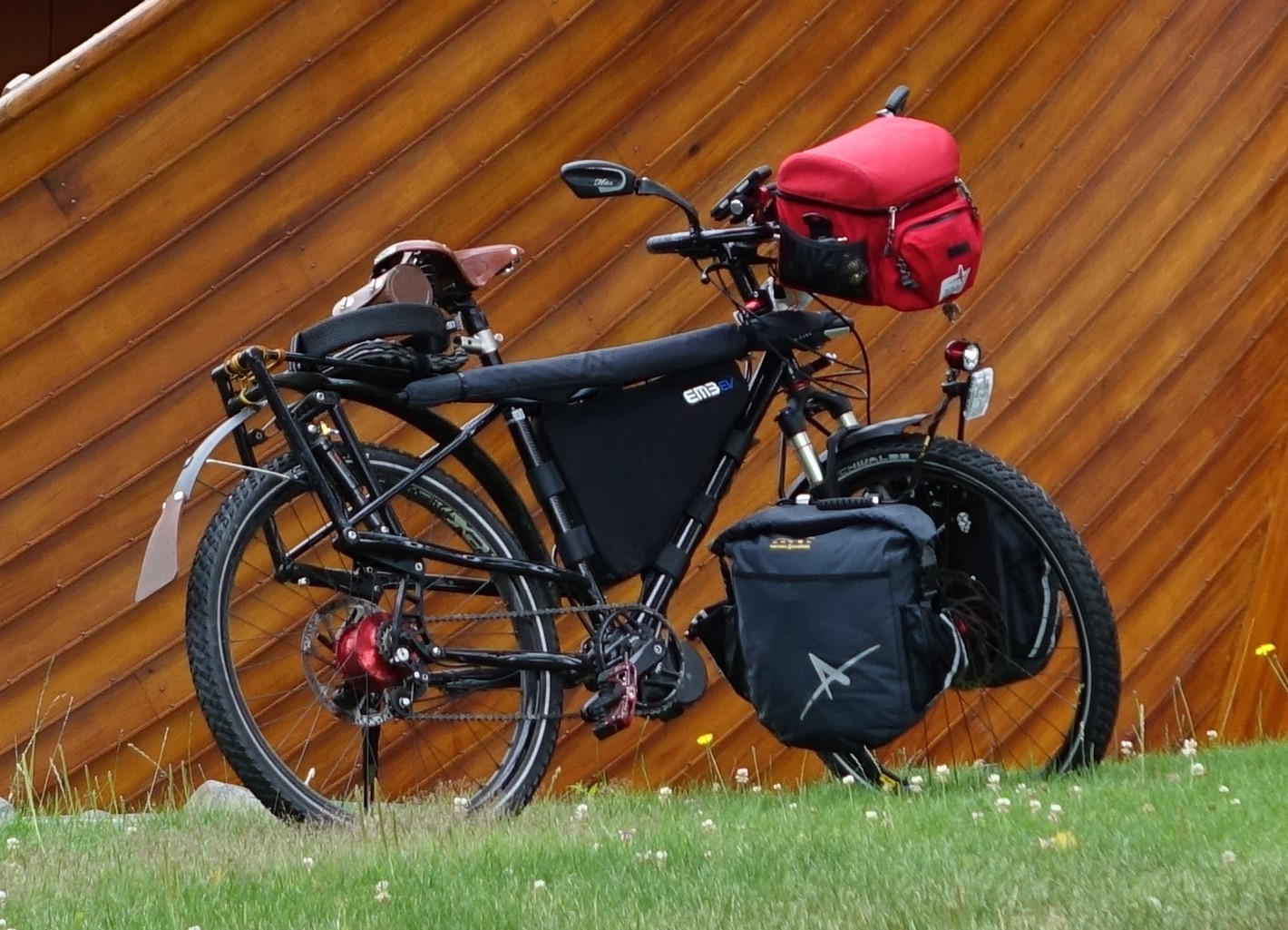 The 16 Best Bike Trailers For Bicycle Touring Cyclingabout