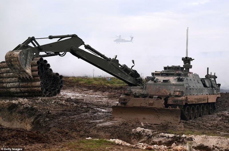 Armée Britannique/British Armed Forces - Page 16 A5df0aecd5eca5027a0fa744309dbc9b9d7fb6e60874fe9dc80dfe18830e8515
